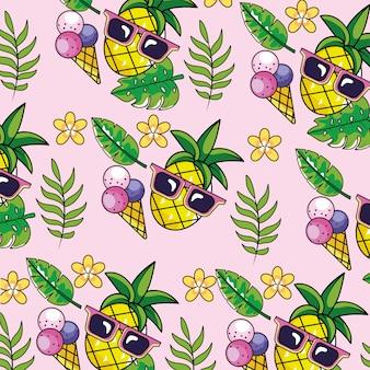 Piña con gafas de sol y fondo de plantas tropicales.