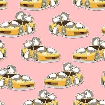 Pingüinos kawaii sin fisuras y patrón de coche deportivo amarillo.