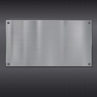 Placa de metal sobre textura de rejilla.