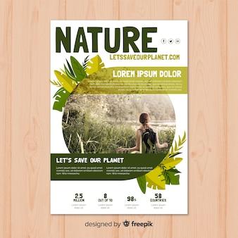 Plantilla adorable de folleto de naturaleza con estilo moderno
