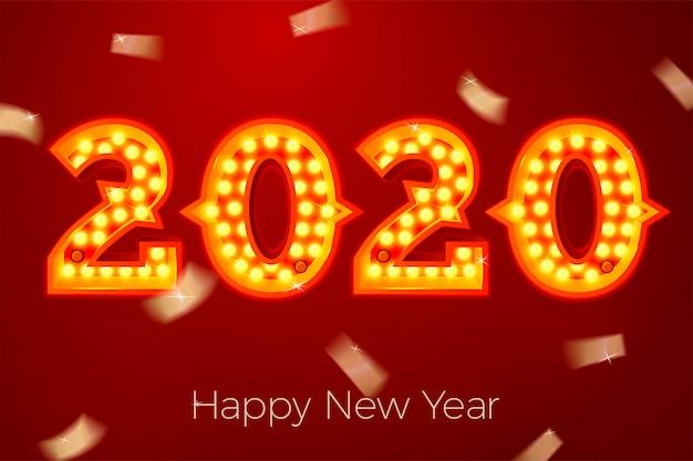Plantilla de banner de año nuevo con números de bombilla brillante 2020 sobre fondo rojo