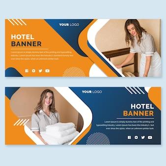 Plantilla de banner horizontal de hotel plano con foto
