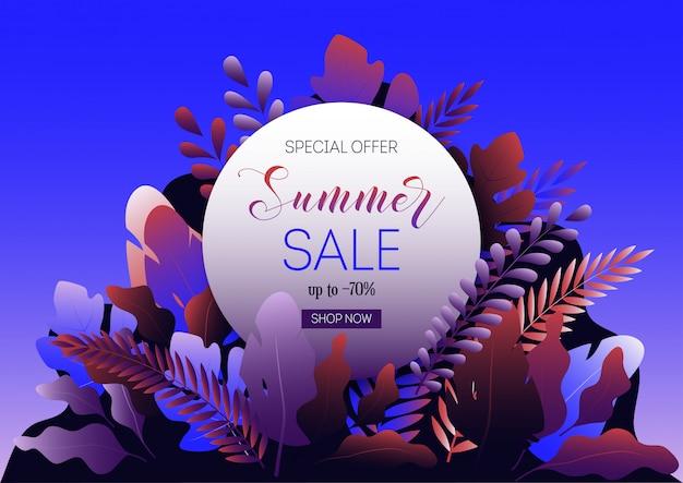 Plantilla de banner de web de venta de verano con hojas de bosque, marco redondo y texto promocional