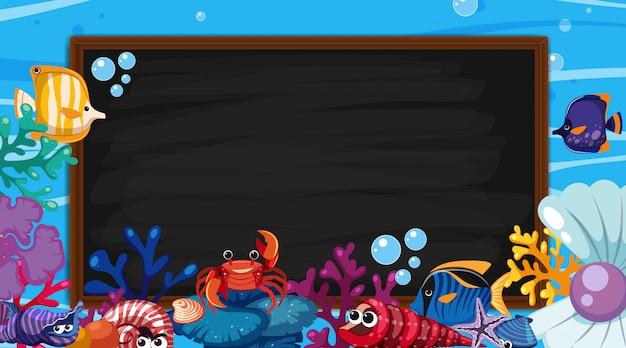 Plantilla de borde con escena submarina