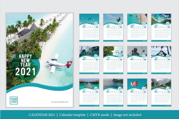 Plantilla de calendario 2021 de diseño moderno