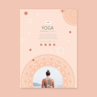 Plantilla de cartel de clase matutina de yoga