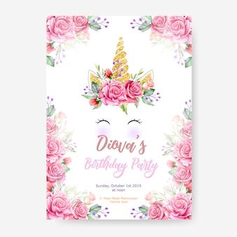 Plantilla de cartel de fiesta de feliz cumpleaños con lindo unicornio gráfico y marco de flor