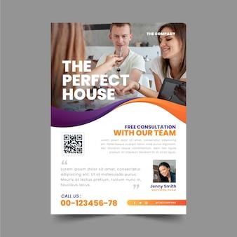 Plantilla de cartel de inmobiliaria degradado con foto