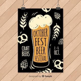 Plantilla de cartel de oktoberfest dibujado a mano
