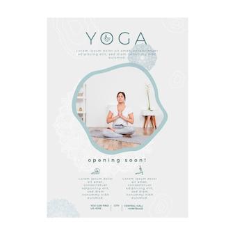 Plantilla de cartel para practicar yoga.