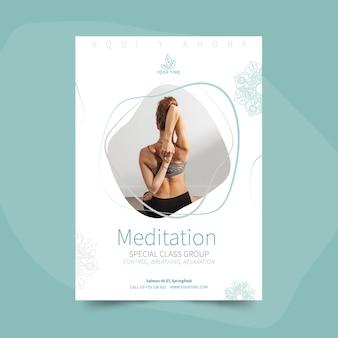 Plantilla de cartel de yoga con foto