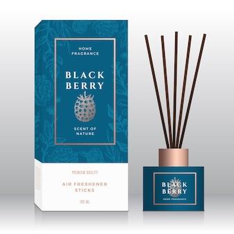Plantilla de cuadro de etiqueta abstracta de palos de fragancia para el hogar de blackberry. flores de bosquejo dibujado a mano, fondo de hojas. tipografía retro. diseño de envases de perfumes de habitación. maqueta realista.
