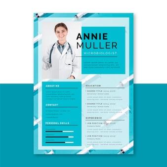 Plantilla de currículum médico con foto y texto