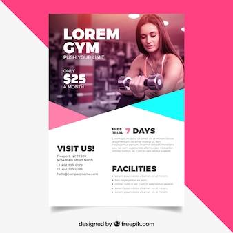 Plantilla de folleto de gimnasio en estilo plano