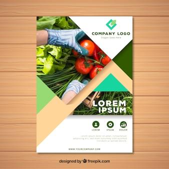 Plantilla de folleto de naturaleza con foto