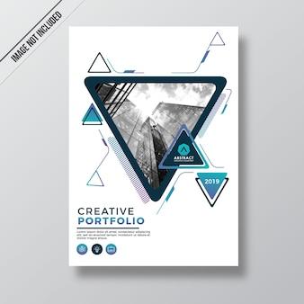 Plantilla de portada de cartera de estilo abstracto triangular geometría moderna