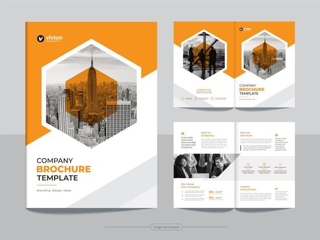 Plantilla de diseño de folleto comercial bi fold corporativo limpio con color naranja