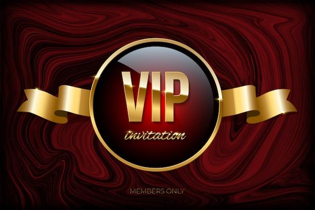 Plantilla de diseño de invitación vip, cinta dorada y texto de invitación vip en textura de mármol rojo oscuro.