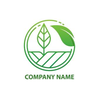 Plantilla de diseño de logotipo de granja de naturaleza verde.