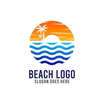 Plantilla de diseño de logotipo de playa y sol