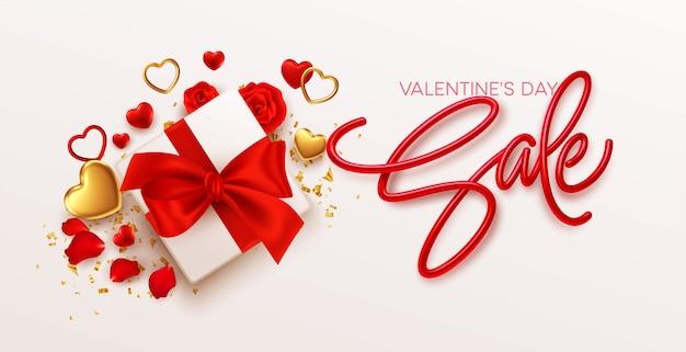 Plantilla de diseño de venta de día de san valentín con caja de regalo con lazo rojo, corazones dorados y rojos sobre blanco