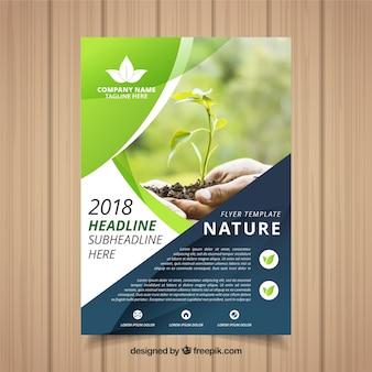 Plantilla elegante de folleto de naturaleza con foto