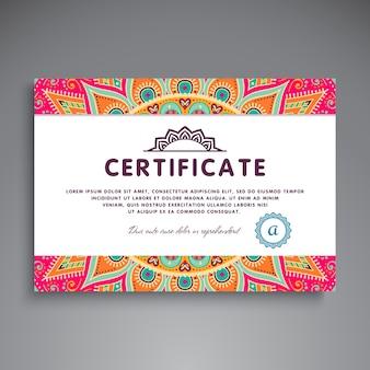 Plantilla étnica floral de certificado