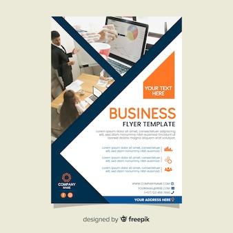 Plantilla de flyer de negocios con fotos
