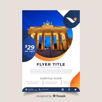 Plantilla de flyer de viaje con foto