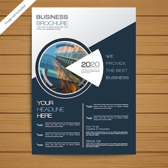 Plantilla de folleto / folleto corporativo