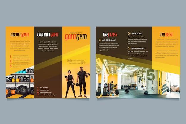 Plantilla de folleto triple minimalista con imagen