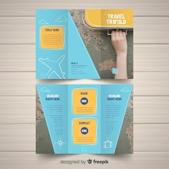 Plantilla de folleto tríptico de viajes