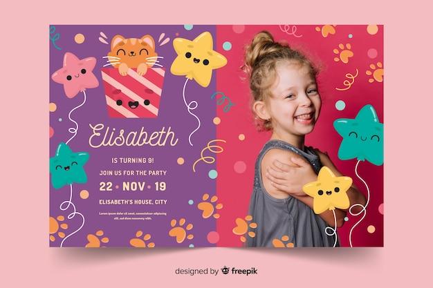 Plantilla con foto para invitación de cumpleaños de niños