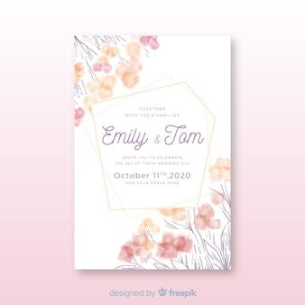 Plantilla de invitación de boda dibujada a mano con flores