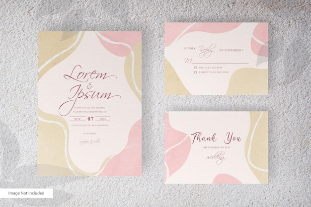 Plantilla de invitación de boda con elegante salpicadura de acuarela y formas fluidas abstractas