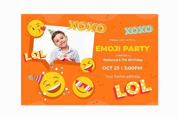 Plantilla de invitación de cumpleaños emoji dibujada a mano con foto