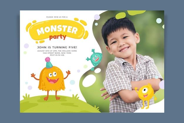 Plantilla de invitación de cumpleaños de monstruo dibujado a mano con foto