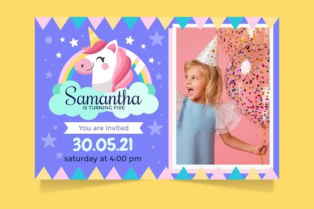 Plantilla de invitación de cumpleaños de unicornio de dibujos animados