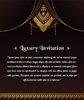 Plantilla de invitación de lujo abstracto con diseño de mandala ornamental
