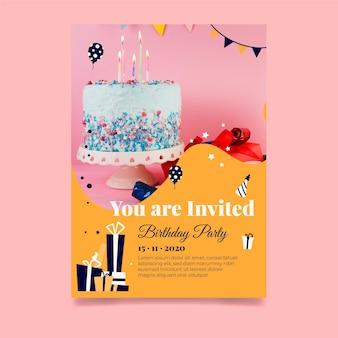 Plantilla de invitación de pastel delicioso de feliz cumpleaños