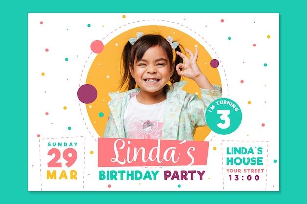 Plantilla de invitación de tarjeta de cumpleaños para el día del niño