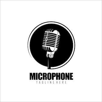 Plantilla de logotipo de micrófono en blanco y negro