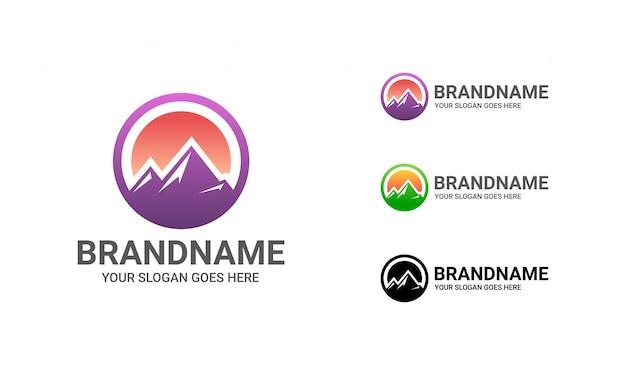 Plantilla de logotipo de montaña colorida