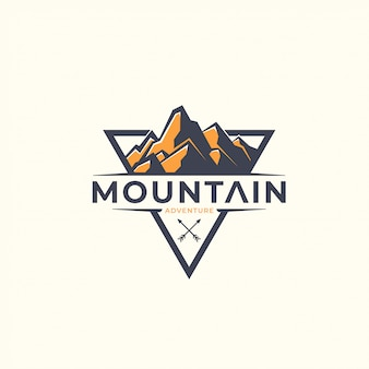 Plantilla de logotipo de montaña triángulo