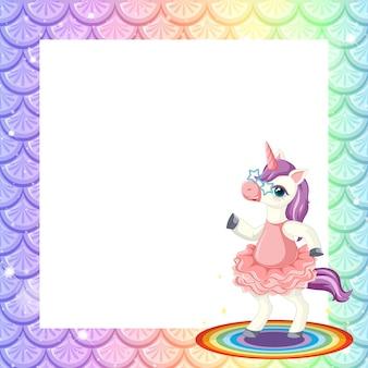 Plantilla de marco de escamas de pescado arco iris pastel en blanco con lindo personaje de dibujos animados de unicornio