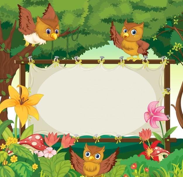 Plantilla de marco con tres búhos volando en la selva