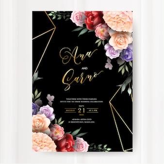 Plantilla oscura de la invitación de la boda con las hojas florales de la acuarela