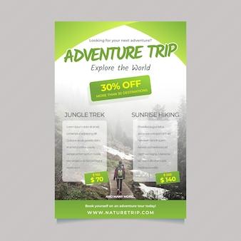 Plantilla de póster itinerante con detalles y foto