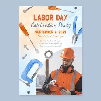 Plantilla de póster de venta vertical del día del trabajo en acuarela con foto