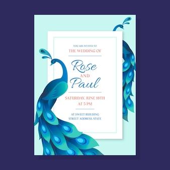 Plantilla realista de invitación de boda de pavo real